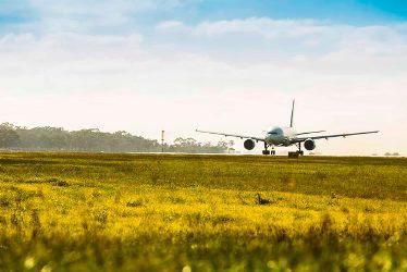 Image of aeroplane landing